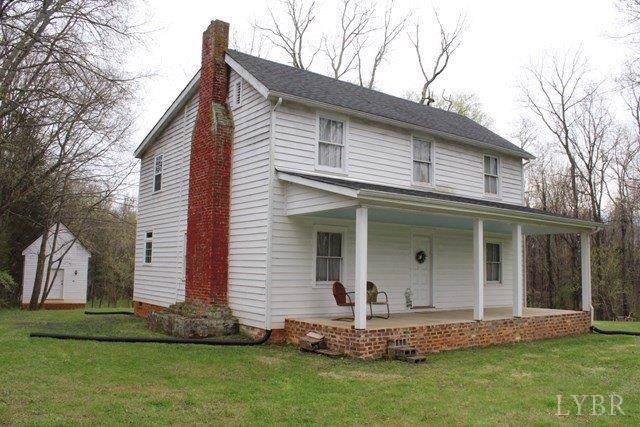 6132 Dixie Hill Road, Buckingham, VA 23921 (MLS #322123) :: Hopkins Real Estate Group