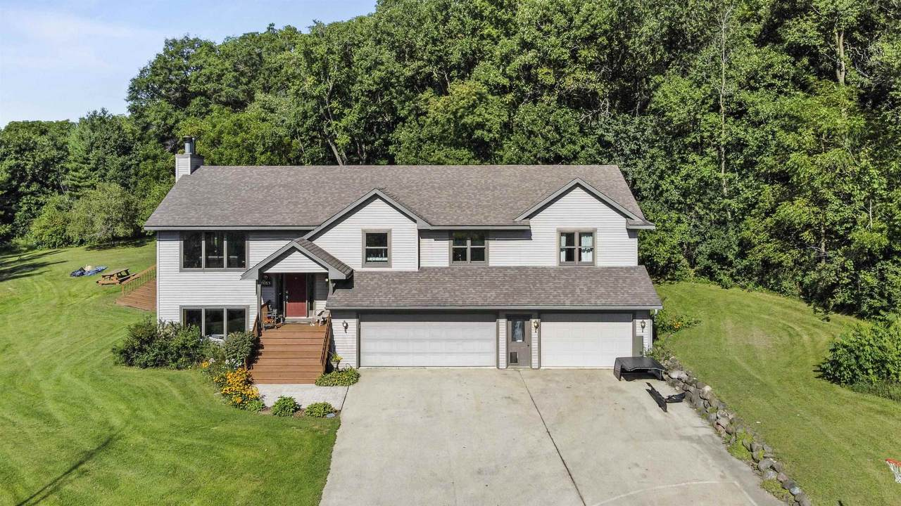 2925 Town Hall Rd - Photo 1
