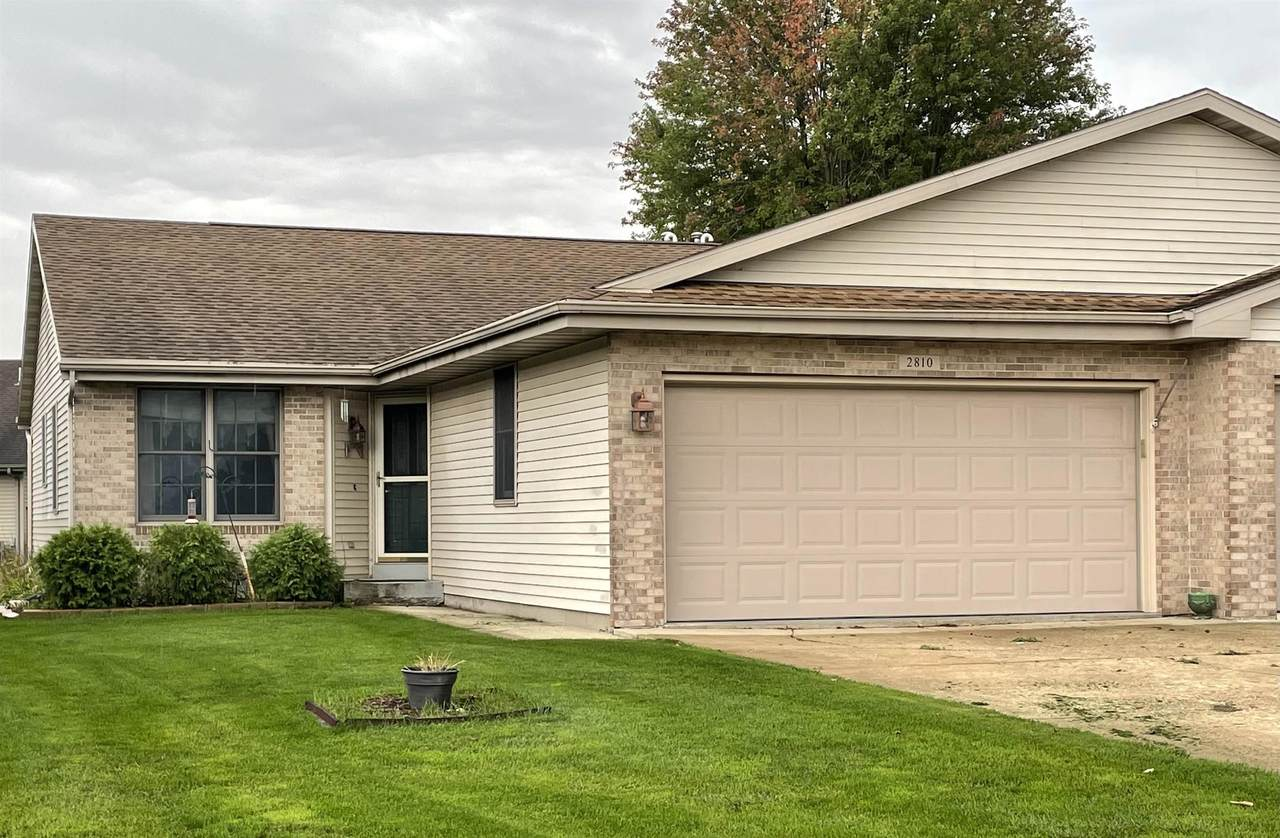 2810 Holiday Dr - Photo 1