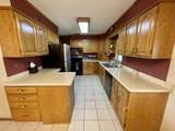 1718 Country Ln - Photo 2