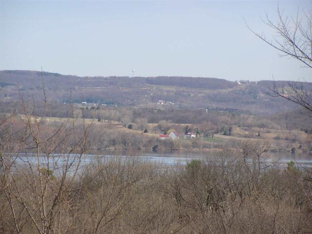 L7 Lakeview Dr, Lodi, WI 53555 (#1745407) :: Nicole Charles & Associates, Inc.
