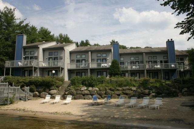 1093 Canyon Rd, Lake Delton, WI 53940 (#1800795) :: Nicole Charles & Associates, Inc.