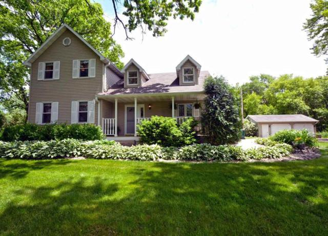 4692 Baxter Rd, Cottage Grove, WI 53527 (#1804913) :: Baker Realty Group, Inc.