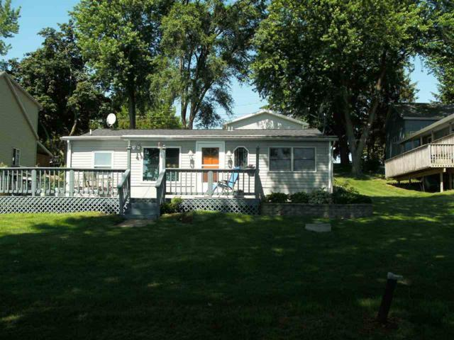 N5230 Wildcat Rd, Hubbard, WI 53035 (#1807480) :: Baker Realty Group, Inc.