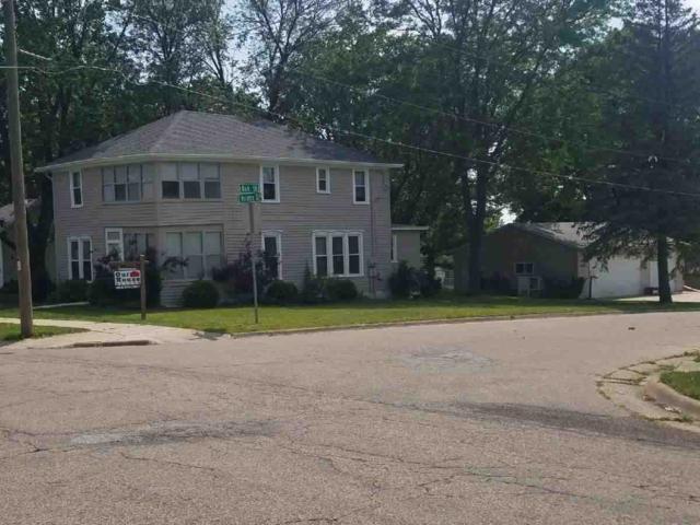 700 S Monroe St, Stoughton, WI 53589 (#1809611) :: HomeTeam4u