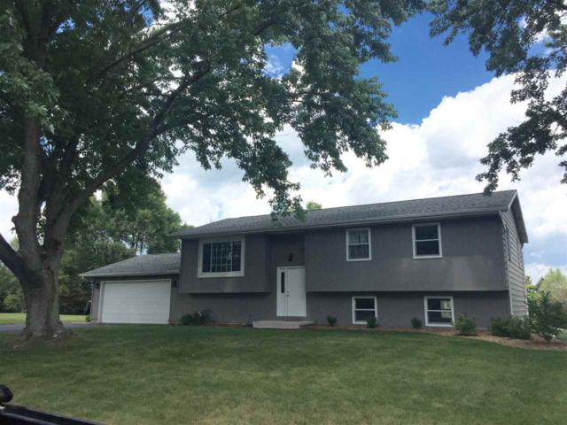 4864 Marick Ct, Sun Prairie, WI 53527 (#1811660) :: Baker Realty Group, Inc.