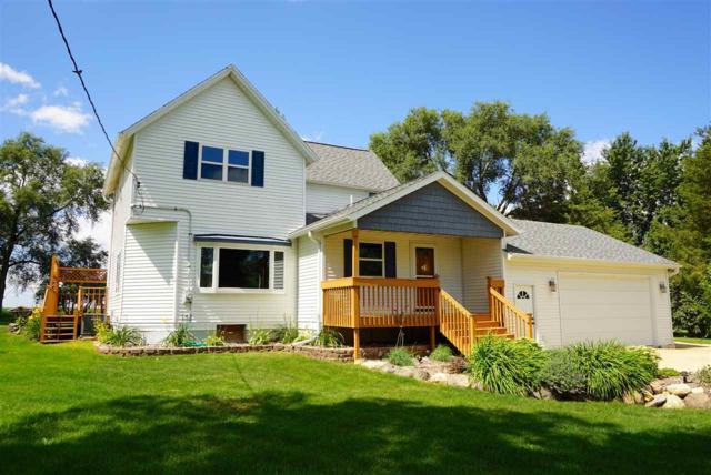 5577 Twin Lane Rd, Sun Prairie, WI 53559 (#1812545) :: Baker Realty Group, Inc.