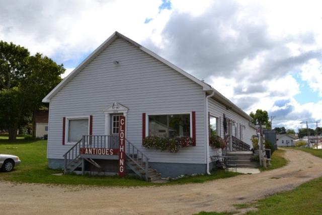 602 N Main St, Dodgeville, WI 53533 (#1813725) :: Nicole Charles & Associates, Inc.
