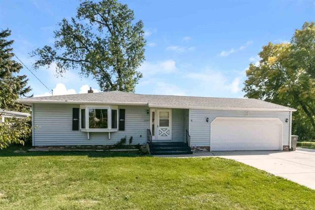 5204 Winnequah Rd, Monona, WI 53716 (#1814892) :: HomeTeam4u