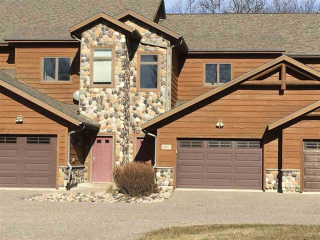 W4223 Vista Cir, Germantown, WI 53948 (#1818695) :: Nicole Charles & Associates, Inc.