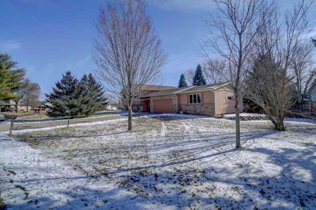 4521 Prairie Pl, Windsor, WI 53532 (#1819958) :: Nicole Charles & Associates, Inc.