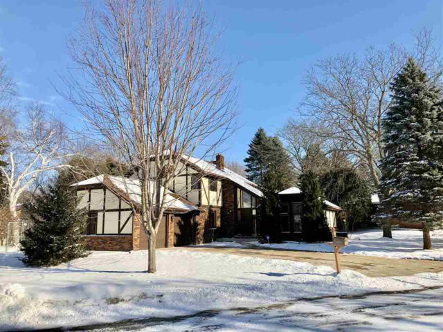 300 Crossing Ridge Ct, Sun Prairie, WI 53590 (#1820744) :: Nicole Charles & Associates, Inc.
