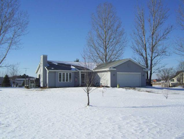 W3337 White Tail Ct, Montello, WI 53949 (#1820820) :: Nicole Charles & Associates, Inc.
