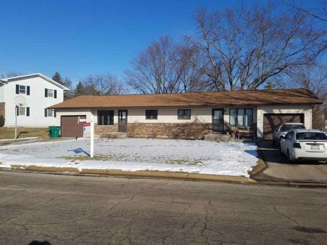 209-211 Maple Dr, Mount Horeb, WI 53572 (#1820977) :: Nicole Charles & Associates, Inc.