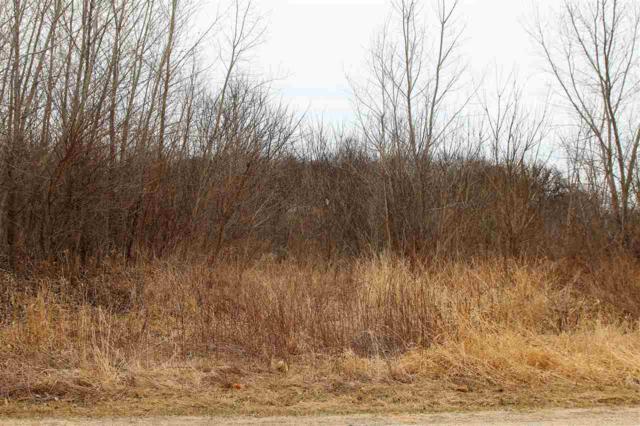 N6420 Shorewood Hills Rd, Lake Mills, WI 53551 (#1826167) :: Nicole Charles & Associates, Inc.