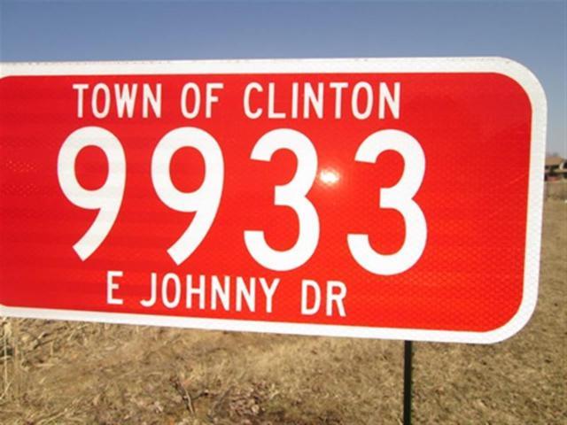 9933 E Johnny Dr, Clinton, WI 53525 (#1827670) :: Nicole Charles & Associates, Inc.