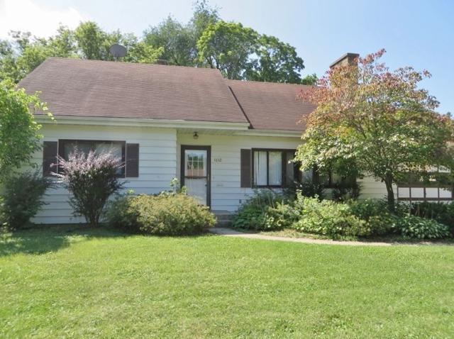 1612 Eastwood Ave, Janesville, WI 53545 (#1828470) :: Nicole Charles & Associates, Inc.