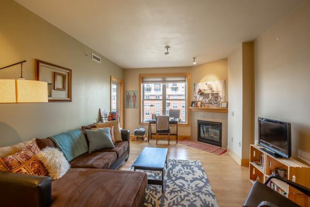 360 W Washington Ave, Madison, WI 53703 (#1828597) :: Nicole Charles & Associates, Inc.