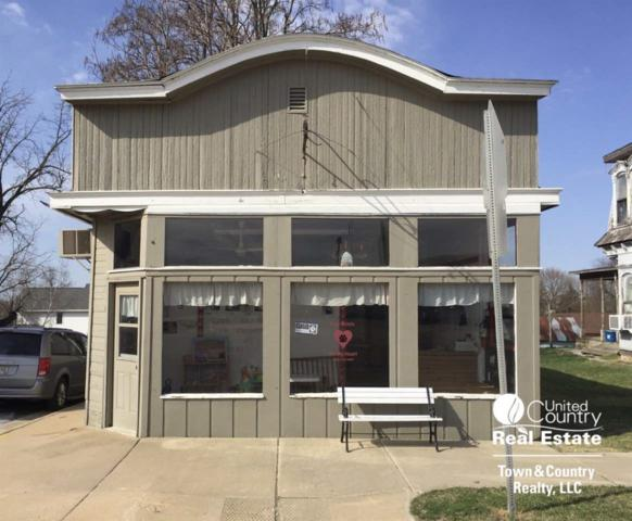 11 W Main St, Benton, WI 53803 (#1828788) :: Nicole Charles & Associates, Inc.