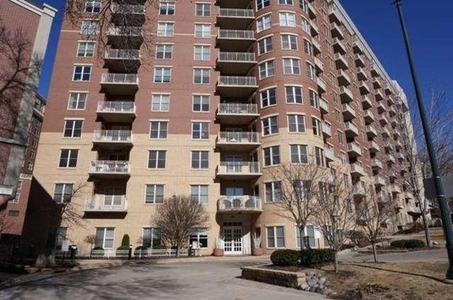 360 W Washington Ave, Madison, WI 53703 (#1832226) :: Nicole Charles & Associates, Inc.