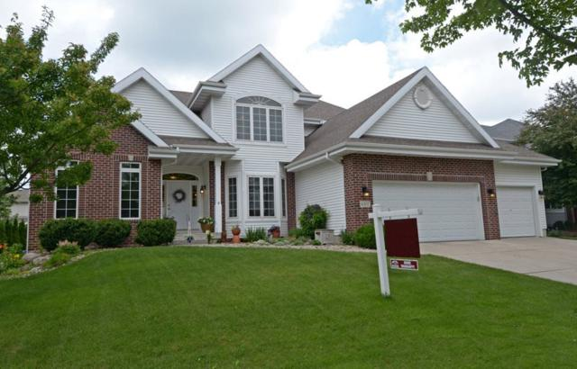 607 Pleasant Valley Pky, Waunakee, WI 53597 (#1832340) :: Nicole Charles & Associates, Inc.