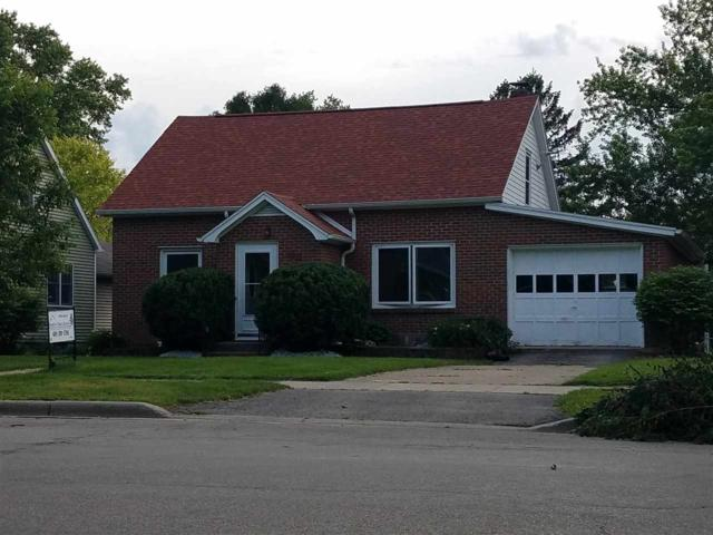 306 S 2nd St, Mount Horeb, WI 53572 (#1833019) :: Nicole Charles & Associates, Inc.