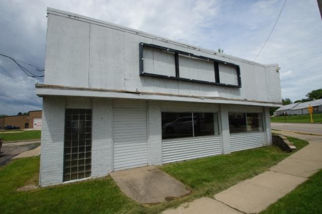 506 N Main St, Dodgeville, WI 53533 (#1833267) :: HomeTeam4u