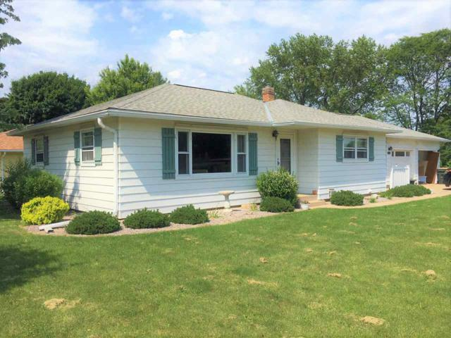 202 E Goodland St, Sun Prairie, WI 53590 (#1833727) :: Nicole Charles & Associates, Inc.