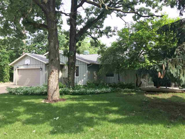 133-135 Woodview Dr, Cottage Grove, WI 53527 (#1833756) :: Nicole Charles & Associates, Inc.