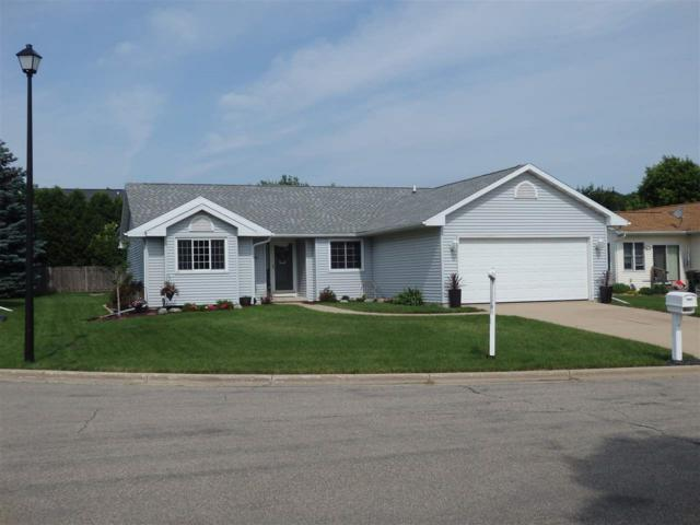 1024 Bethany Ct, Sun Prairie, WI 53590 (#1834631) :: Nicole Charles & Associates, Inc.