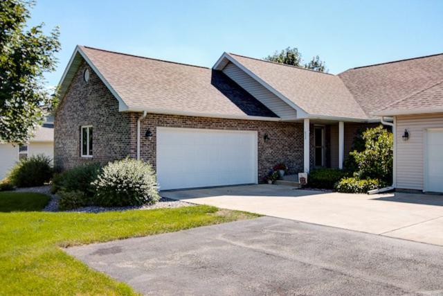 606 Prairie Hills Dr, Dodgeville, WI 53533 (#1835049) :: Nicole Charles & Associates, Inc.