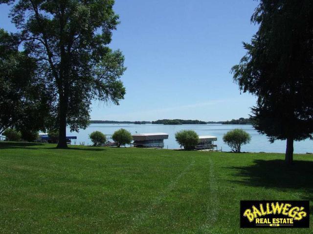 W10685 Blackhawk Tr, Fox Lake, WI 53933 (#1835575) :: HomeTeam4u