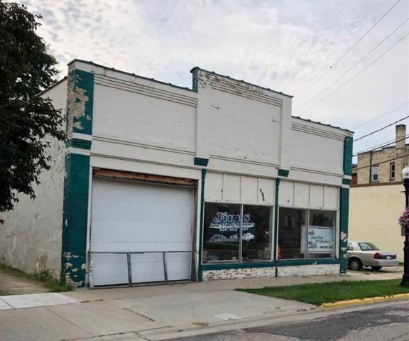 5 Albion St, Edgerton, WI 53534 (#1836011) :: Nicole Charles & Associates, Inc.