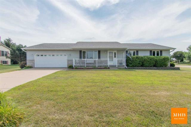 805 Butts Ct, Belleville, WI 53508 (#1836134) :: Nicole Charles & Associates, Inc.