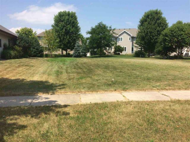 503 Pleasant Valley Pky, Waunakee, WI 53597 (#1836393) :: Nicole Charles & Associates, Inc.