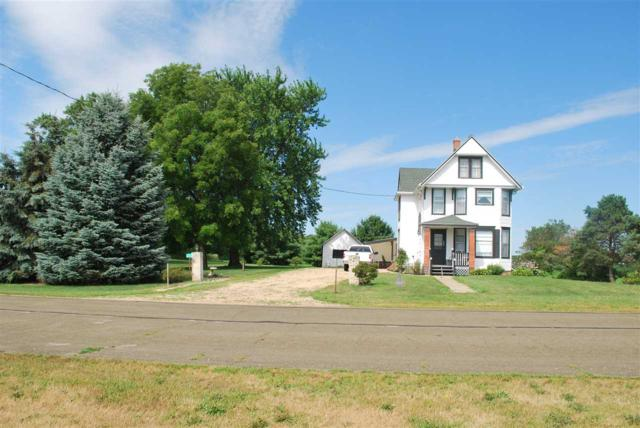 6733 Old 113 Rd., Vienna, WI 53529 (#1836508) :: Nicole Charles & Associates, Inc.