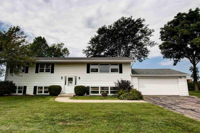 3741 South Point Rd, Middleton, WI 53593 (#1839126) :: Nicole Charles & Associates, Inc.