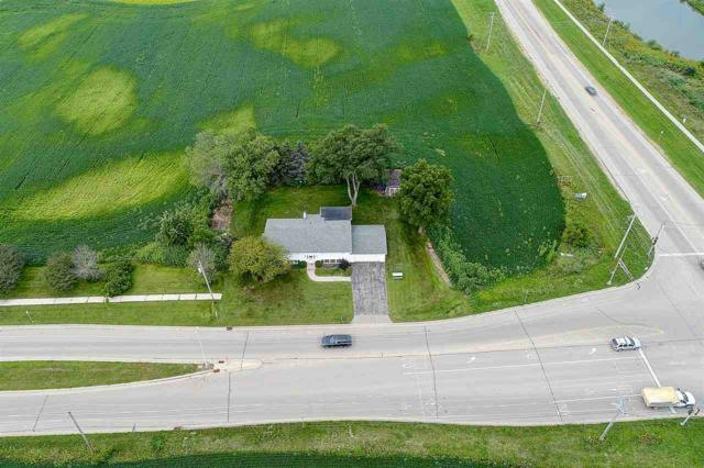 3741 South Point Rd, Middleton, WI 53593 (#1839127) :: Nicole Charles & Associates, Inc.