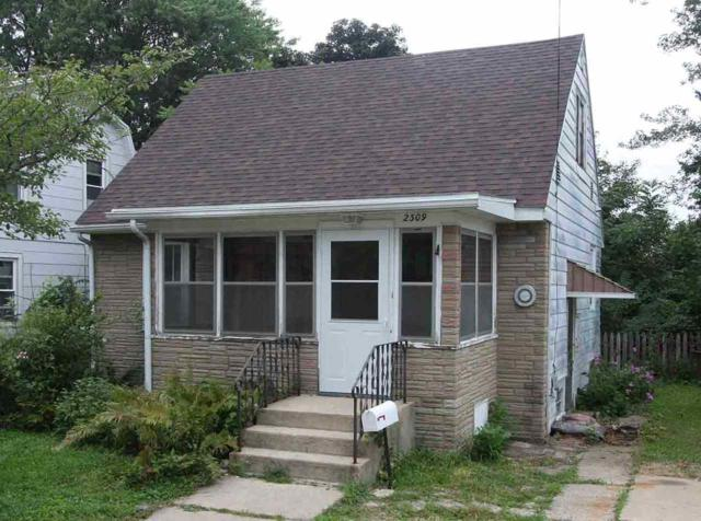 2309 Superior, Madison, WI 53704 (#1839194) :: HomeTeam4u