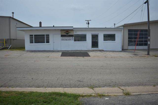 915 5th Ave, Monroe, WI 53566 (#1840159) :: HomeTeam4u