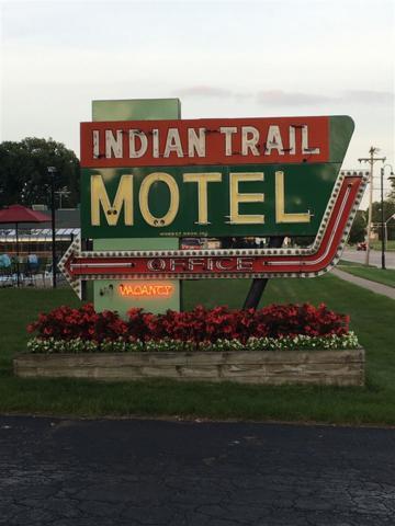 1013 Broadway, Wisconsin Dells, WI 53965 (#1840853) :: Nicole Charles & Associates, Inc.