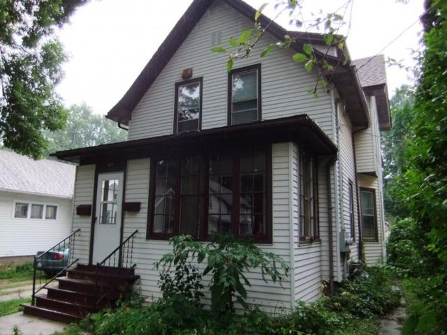 189 Dixon St, Madison, WI 53704 (#1842660) :: Nicole Charles & Associates, Inc.
