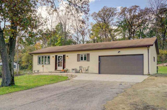 321 County Road Mm, Oregon, WI 53521 (#1843665) :: Nicole Charles & Associates, Inc.