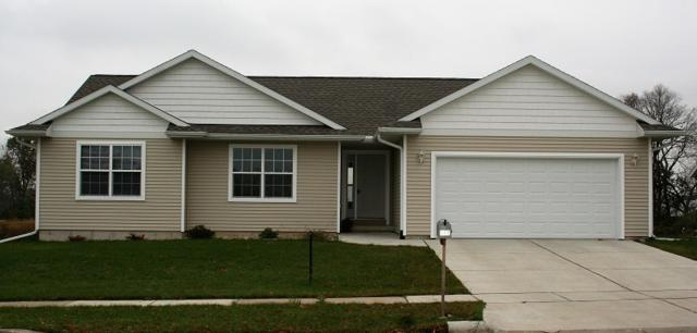 869 Fairfield Dr, Platteville, WI 53818 (#1843919) :: Nicole Charles & Associates, Inc.