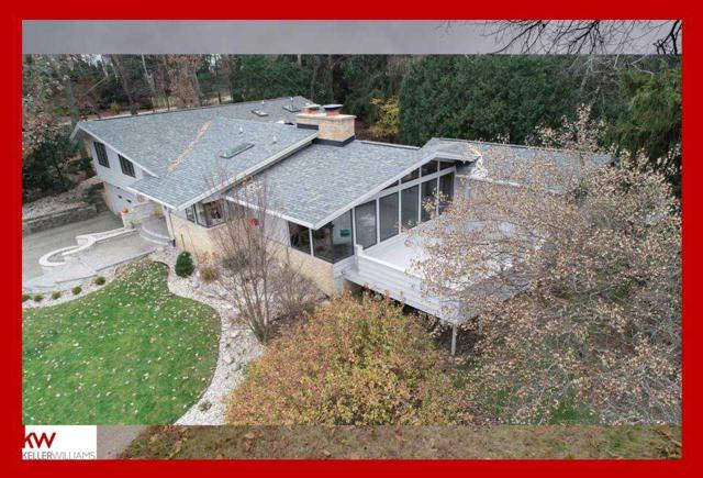 4126 Country Club Rd, Madison, WI 53711 (#1845140) :: Nicole Charles & Associates, Inc.