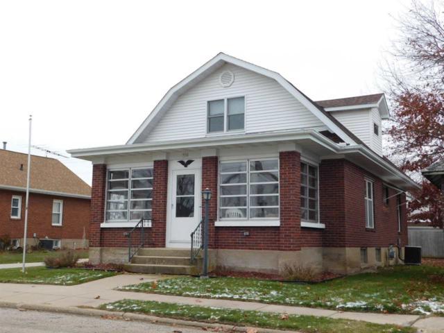 304 Monroe St, Hanover, IL 61041 (#1845451) :: Nicole Charles & Associates, Inc.