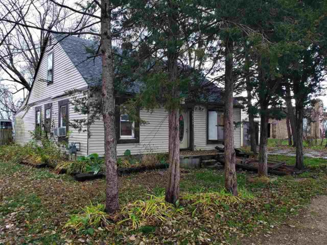 3325 Prairie Ave, Beloit, WI 53511 (#1845533) :: HomeTeam4u