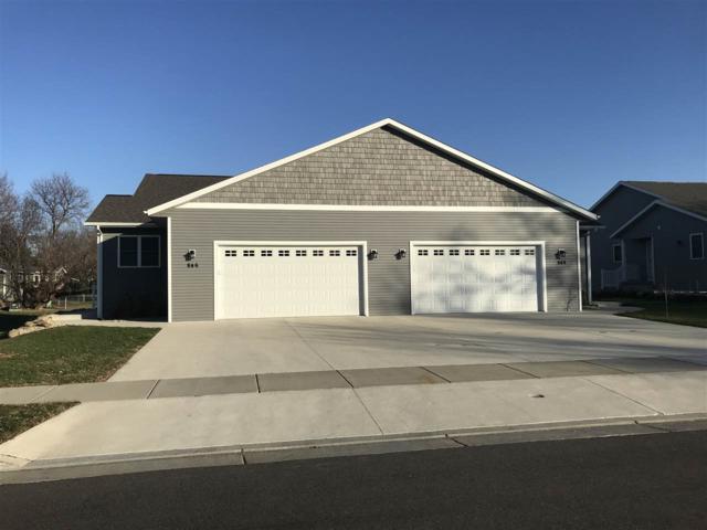 921 Merri-Hill Drive, Oregon, WI 53575 (#1845588) :: Nicole Charles & Associates, Inc.