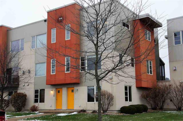 5587 Brendan Ave, Fitchburg, WI 53711 (#1846388) :: Nicole Charles & Associates, Inc.