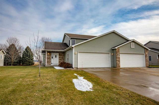 1070 Vinyard Dr, Oregon, WI 53575 (#1846811) :: Nicole Charles & Associates, Inc.